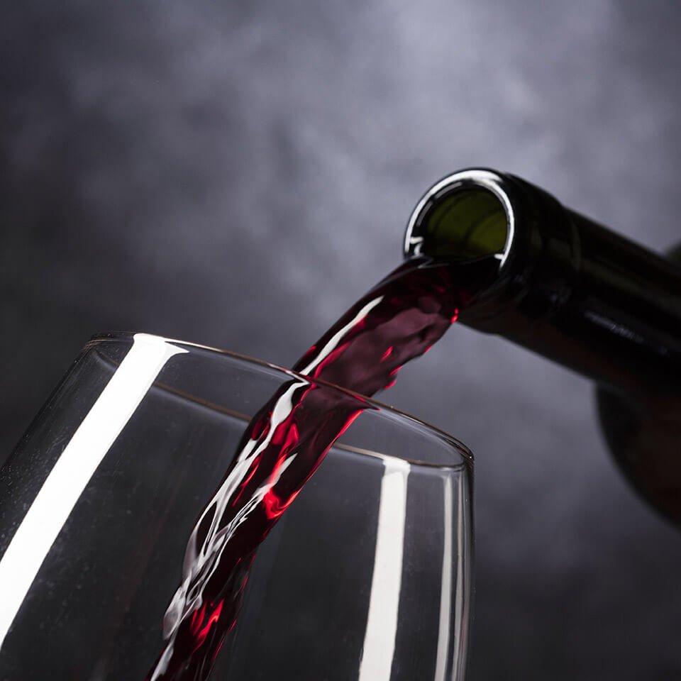Lake Yard Red Wine